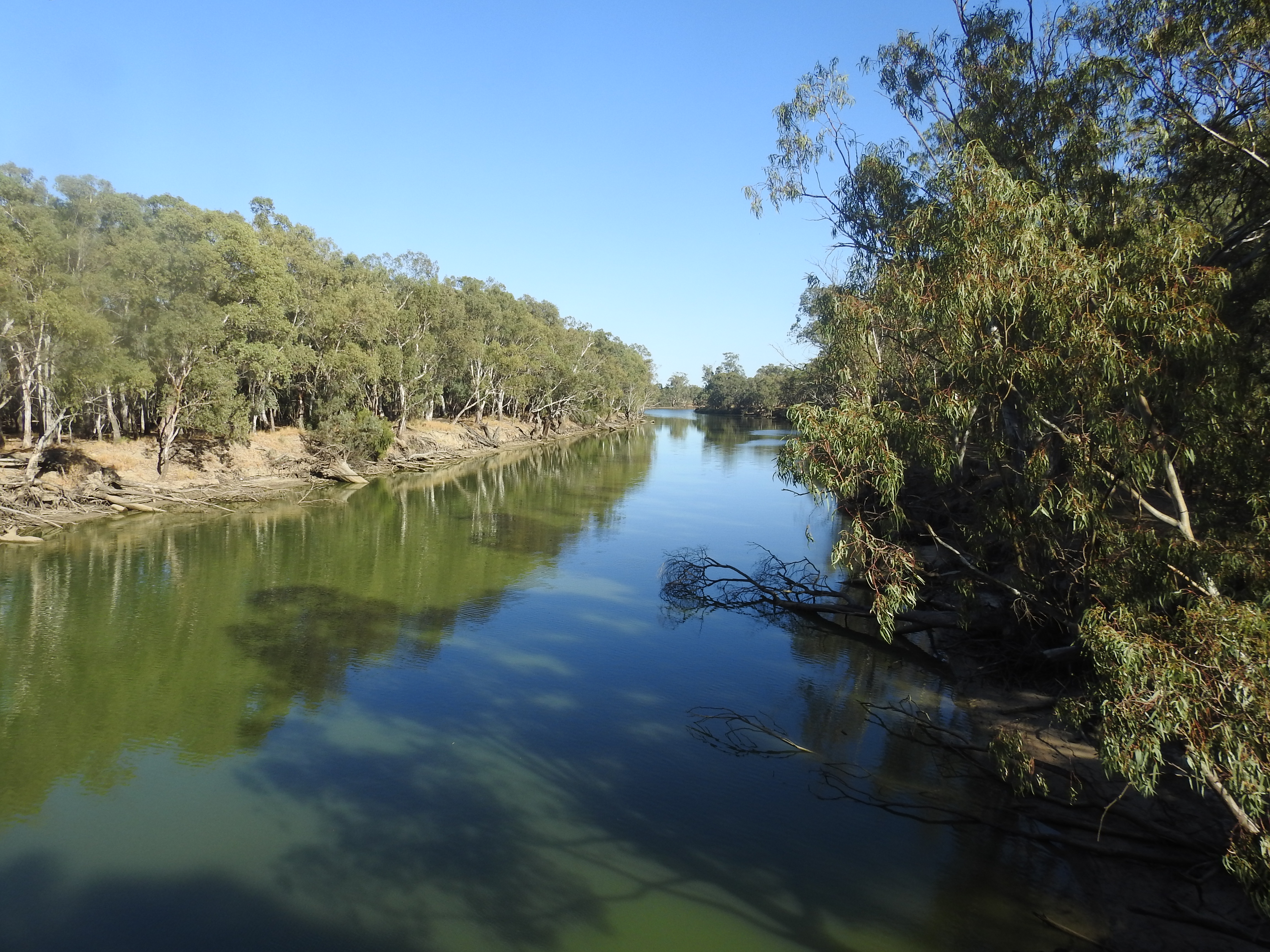 "Crossing another  important river, the  Murrumbidgee, made famous in the song ""The Road to Gundagai"""